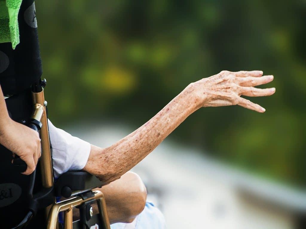 Amministratori di sostegno sottraggono 40.000 € a un'anziana | aivm.it