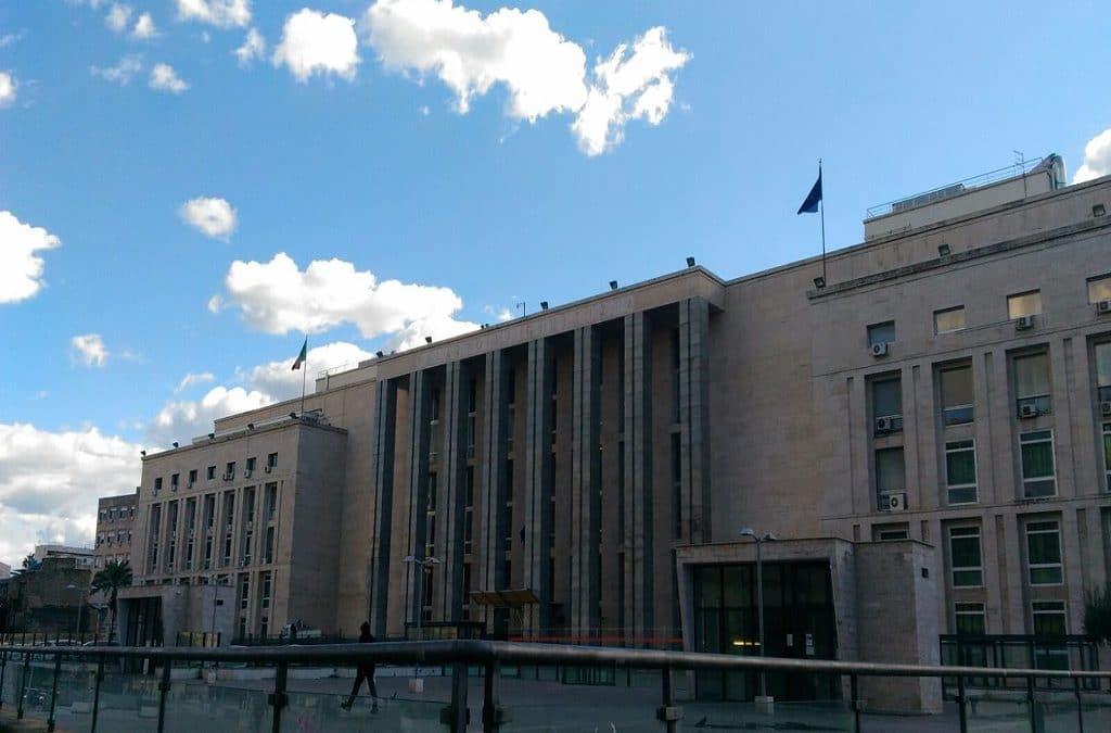Quarant'anni Per Una Sentenza e Gli Avvocati Stanno Alla Larga