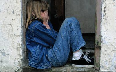 La Beffa ai Figli dei Femminicidi: Non ci Sono i Fondi Previsti Dalla Legge
