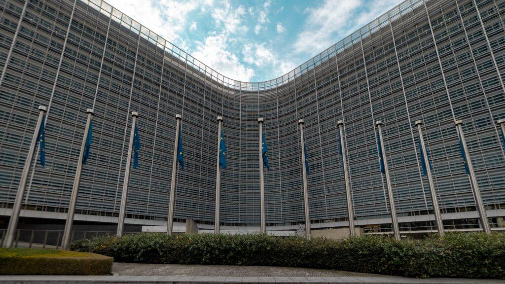 giudici in politica e indipendenza dei parlamentari italia indietro nella lotta alla corruzione