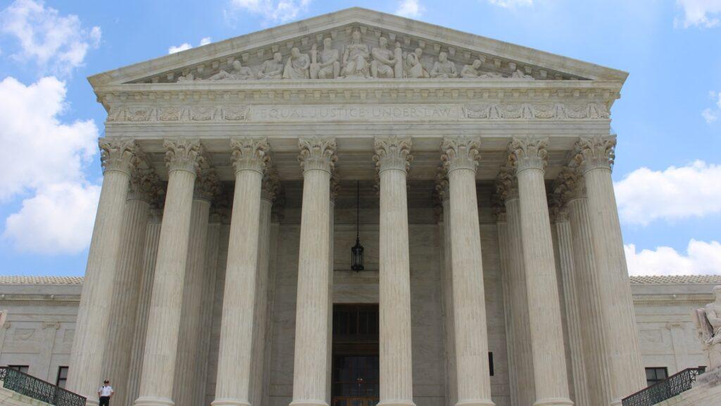 in italia solo 39 percento si fida dei magistrati