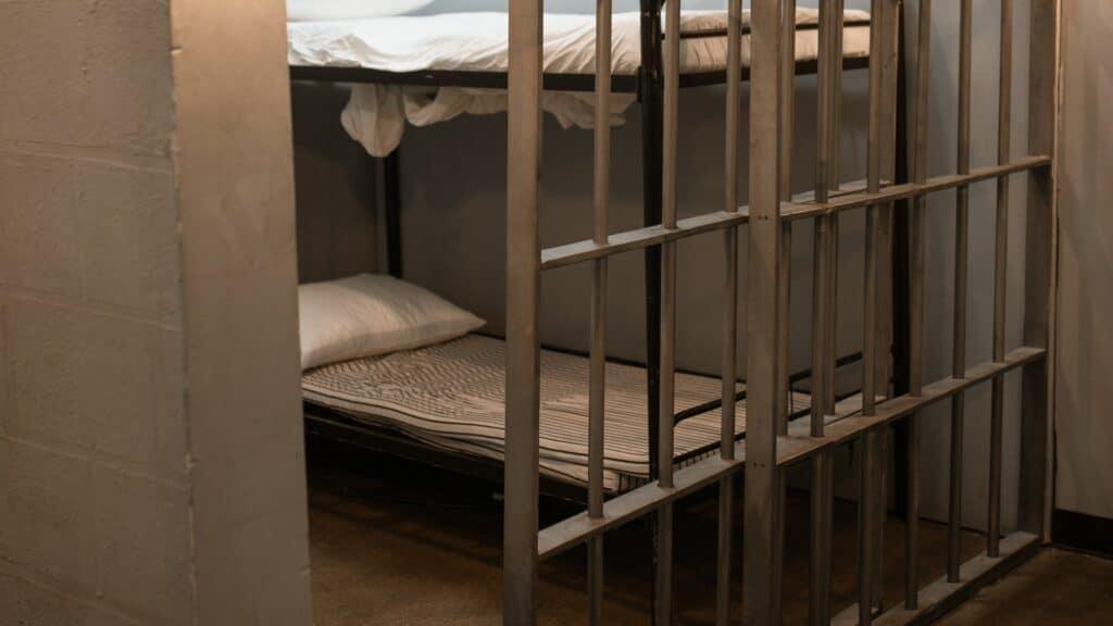 in carcere da innocente i trecentosei giorni di ambrogio crespi
